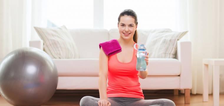 Cvičení doma: co si pohlídat a jak často cvičit, abyste dosáhli pokroku