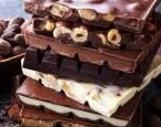 Bílá, mléčná, na vaření nebo hořká: Co se vyplatí sledovat na obalech čokolád?